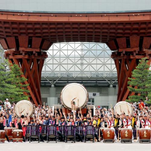 เทศกาลคะนะสะวะ เฮียกุมังโกกุ