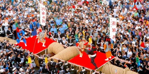 เทศกาลนาฮะโอสึนะฮิกิ การแข่งขันชักเย่อเชือกยักษ์แห่งนาฮะ