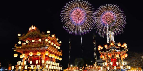 เทศกาลจิจิบุ โยมัตซึริ (เทศกาลยามค่ำคืน)